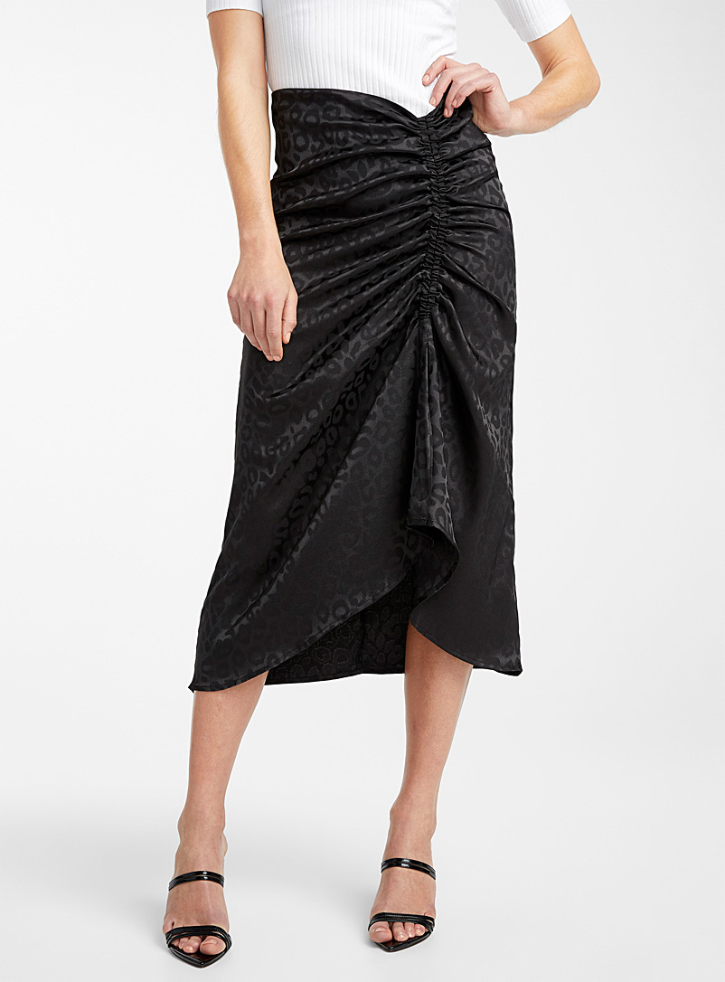 Icône Black Ruched band leopard satin skirt for women