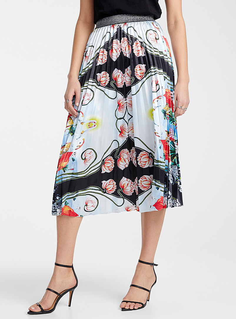 Ic?ne Patterned White Floral garden pleated skirt for women