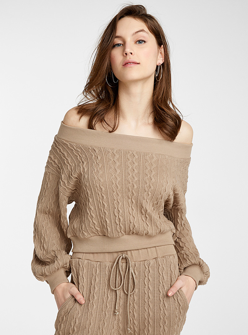 Icône Light Brown Cable knit cropped sweatshirt for women