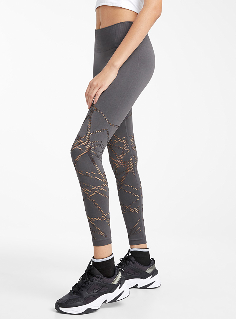 le-legging-mosaique-perforee