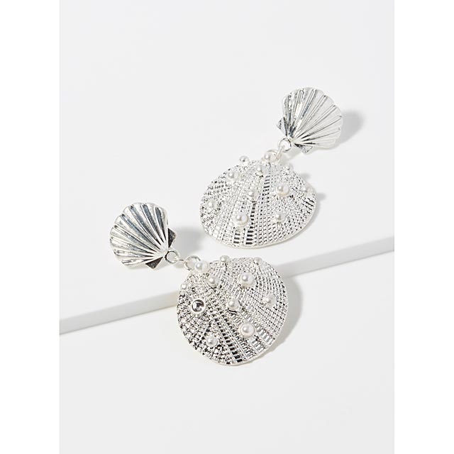 pearly-shell-earrings