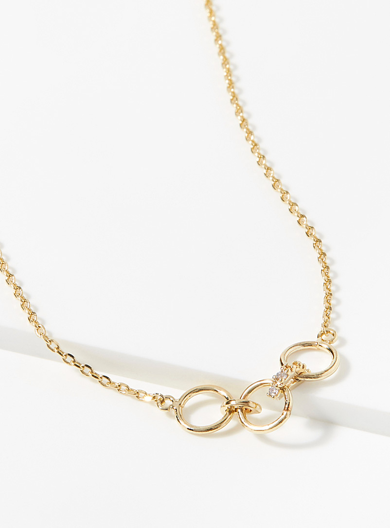 close-circle-necklace