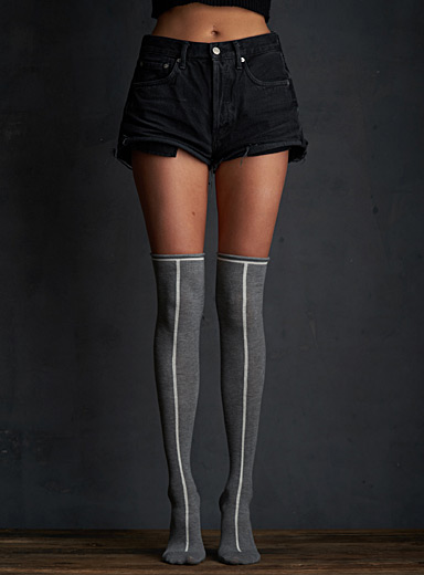 Vertical line thigh-highs