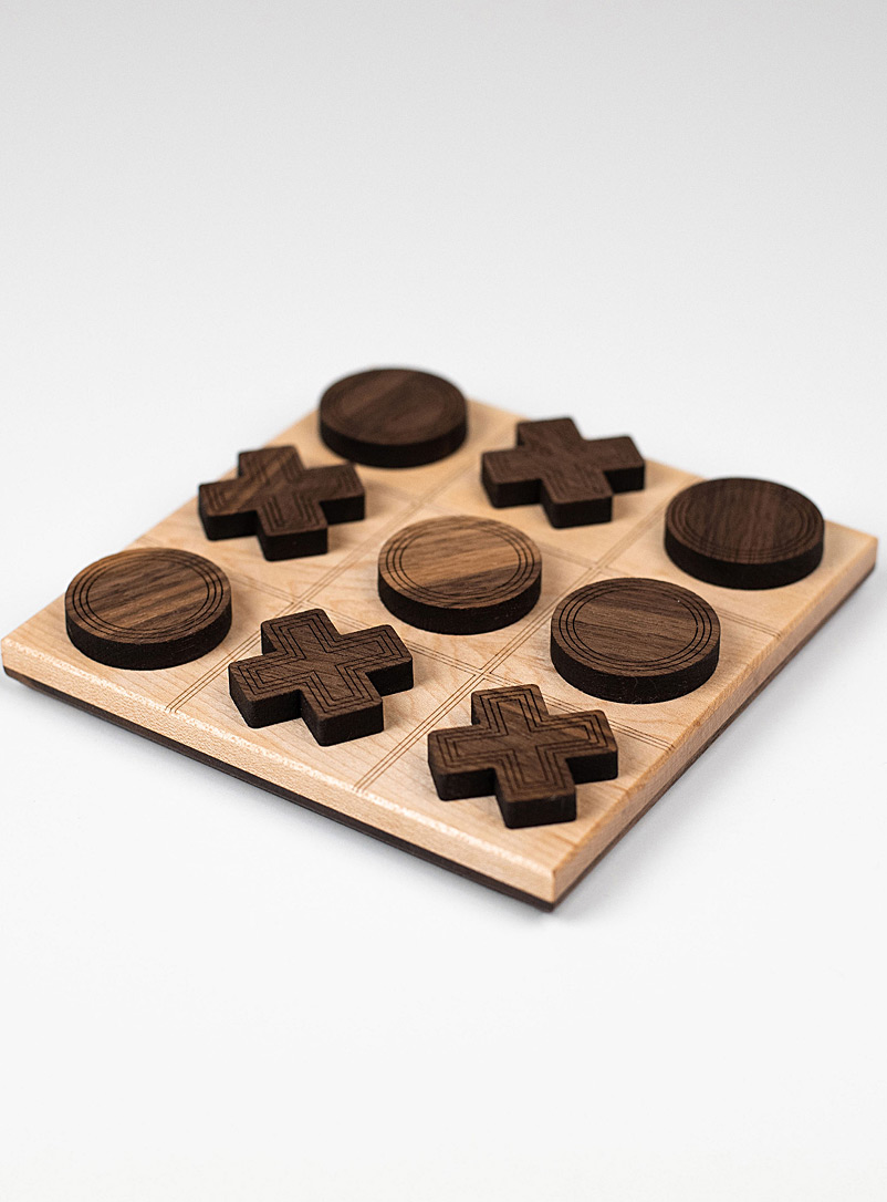 wooden-tic-tac-toe-game