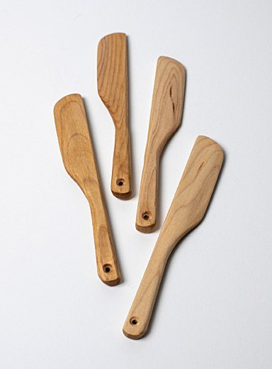 Wooden spreading knives Set of 4