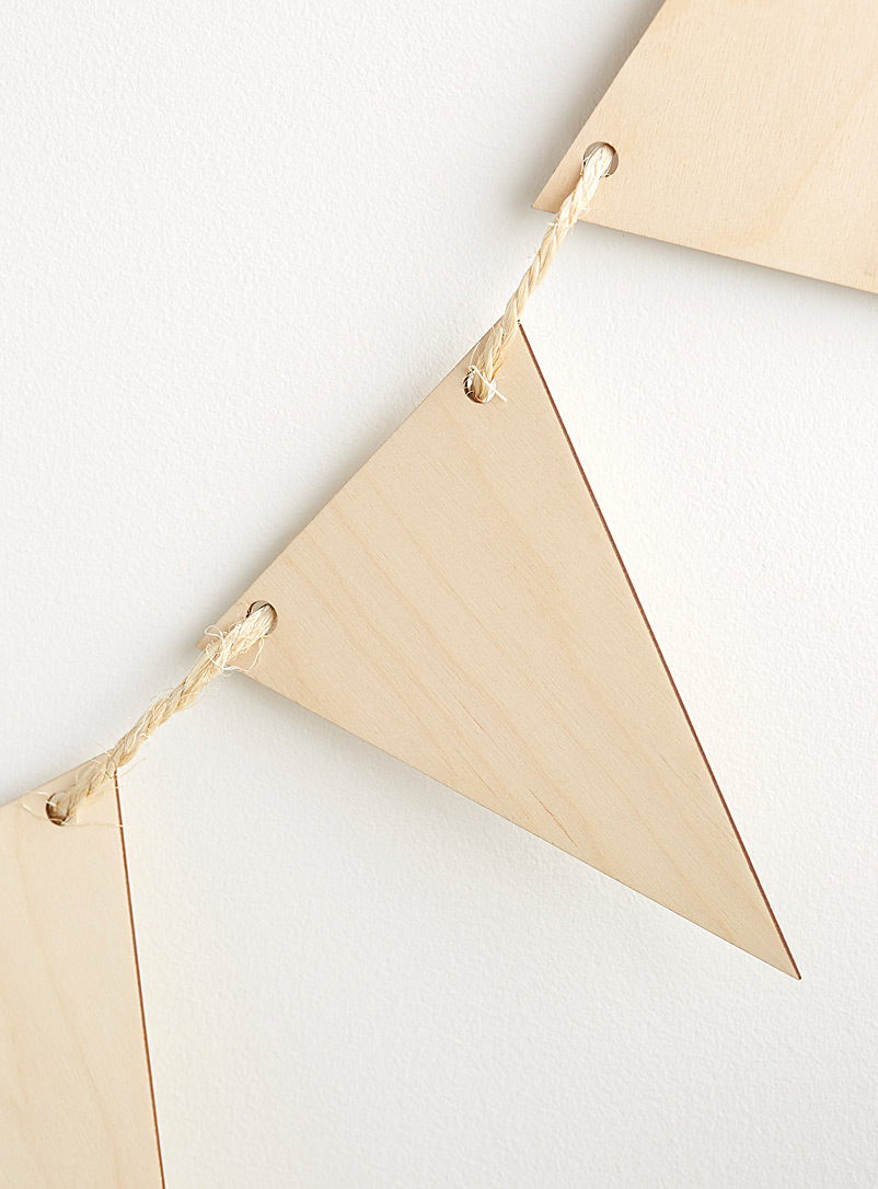 Natural wood pennant banner - Caisserie McNeil - Assorted