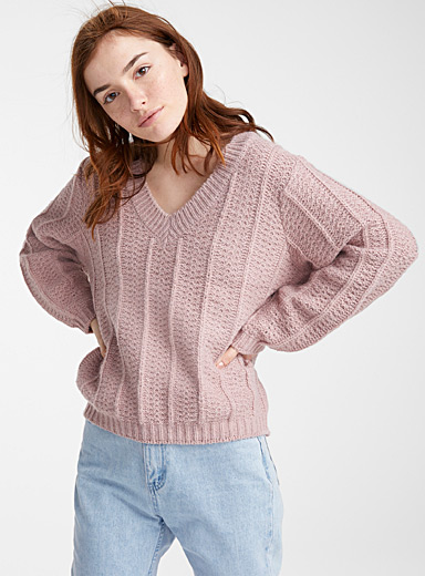 Ribbed band V-neck sweater