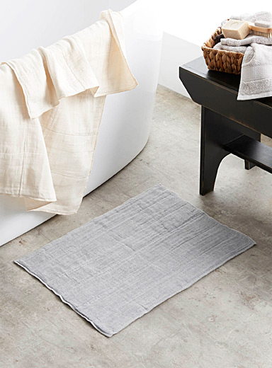 Charcoal-infused bath mat