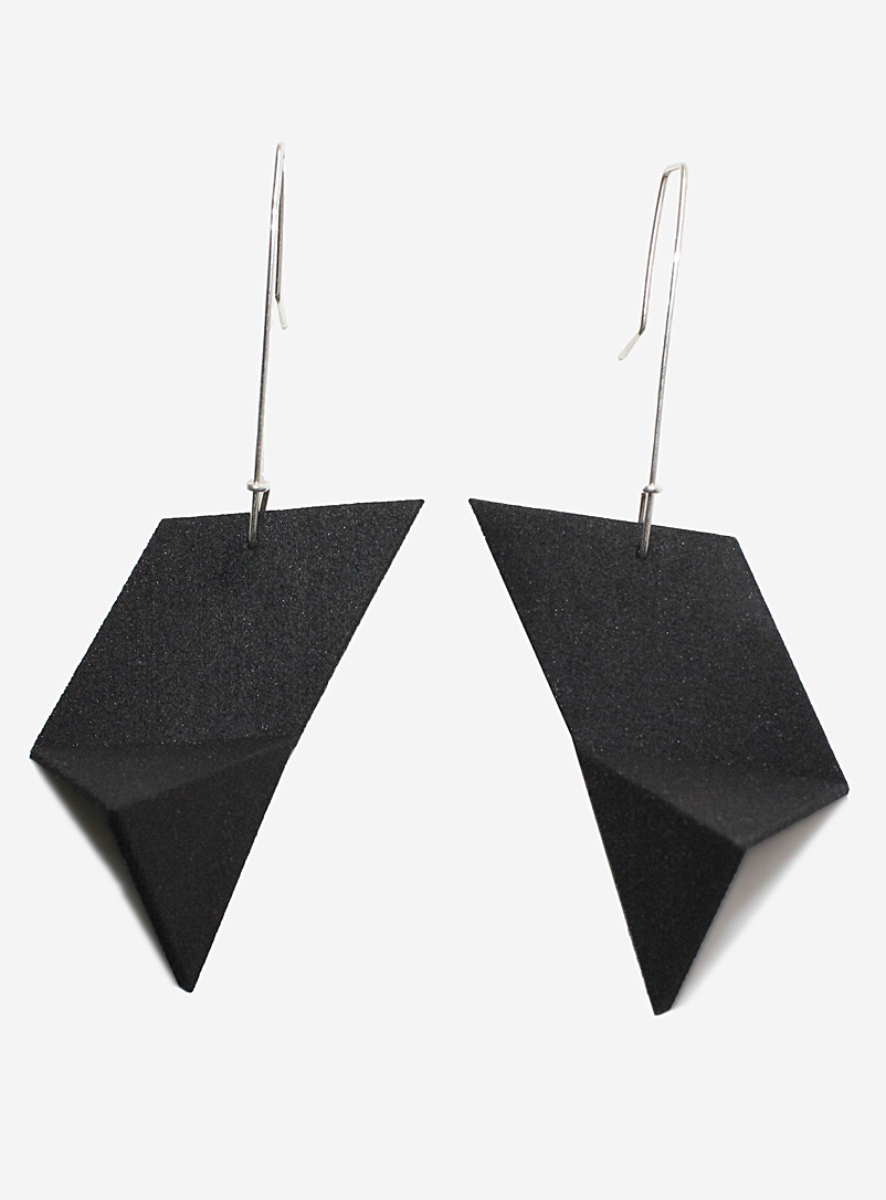 Racer pendant earrings - Design + Conquer - Black