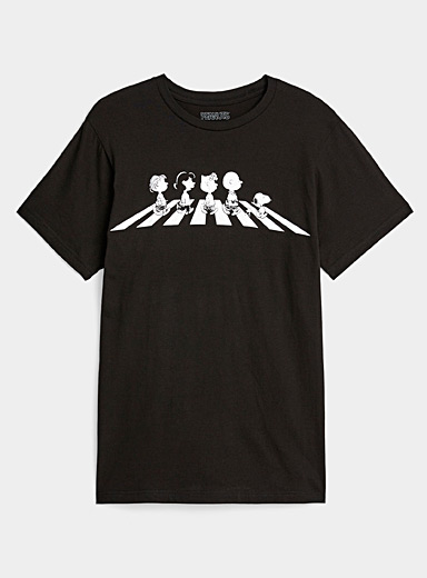 Twik: Le t-shirt Charlie Brown Abbey Road Noir pour femme