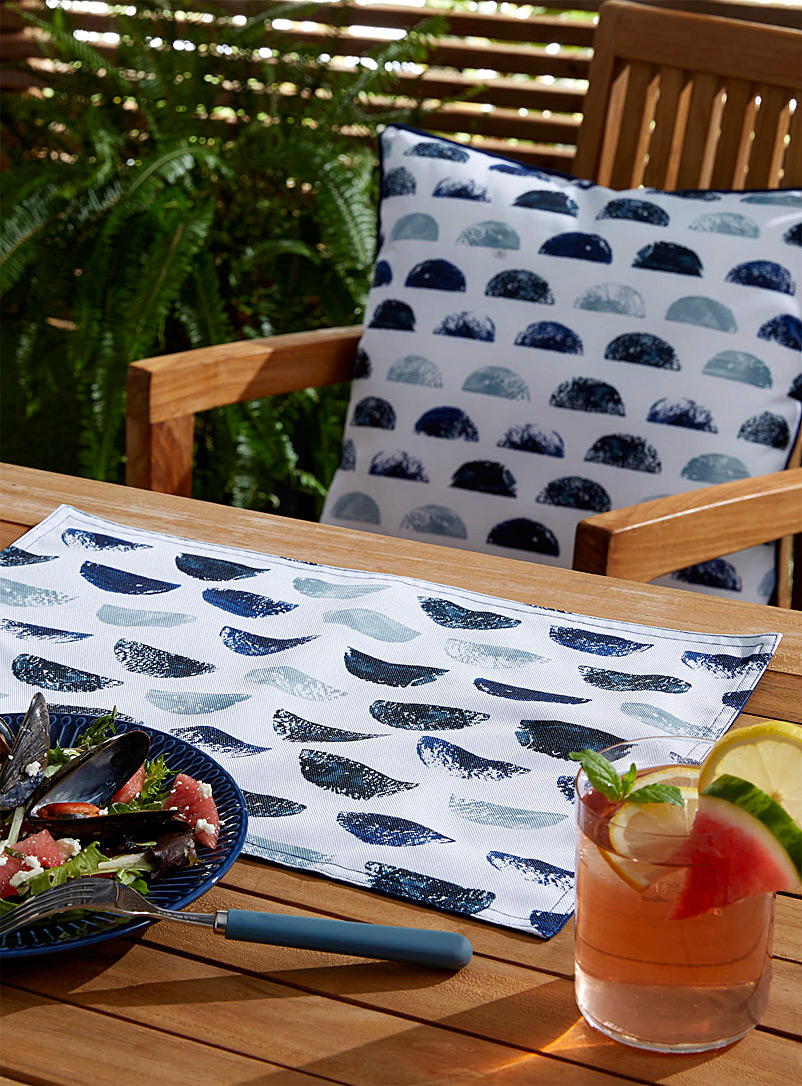 Seaside reversible outdoor placemat