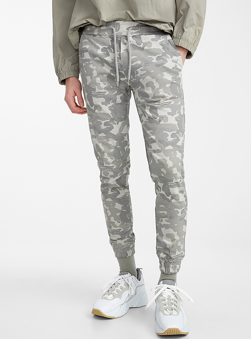 Le 31 Grey Desert camo joggers for men