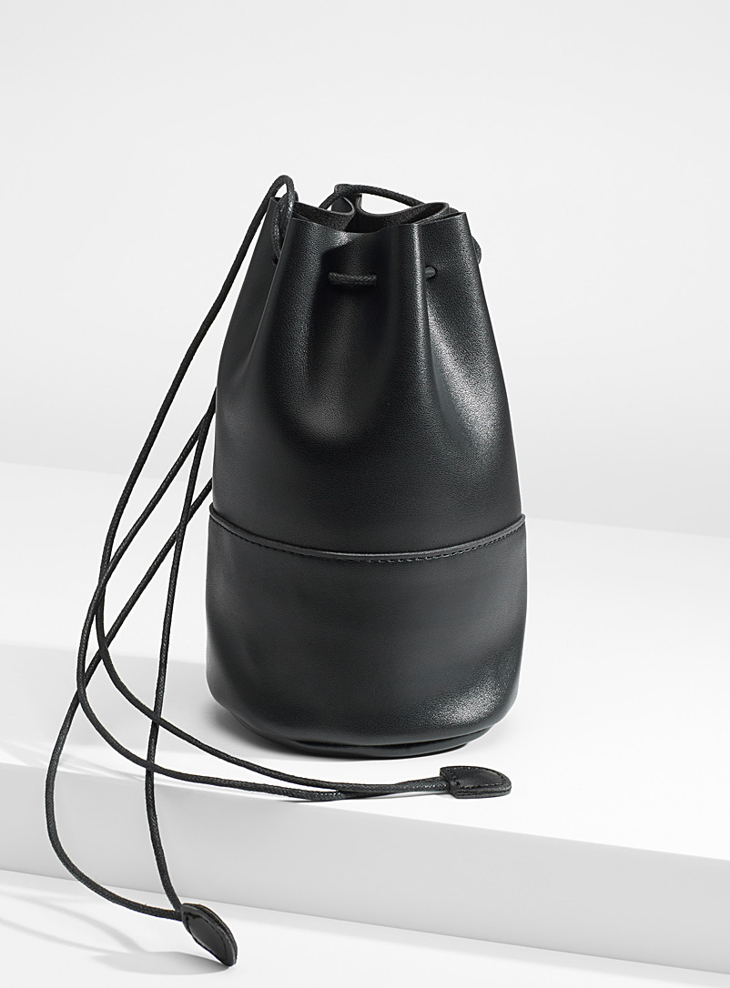 Small artisanal bucket bag - Crossbody Bags - Black
