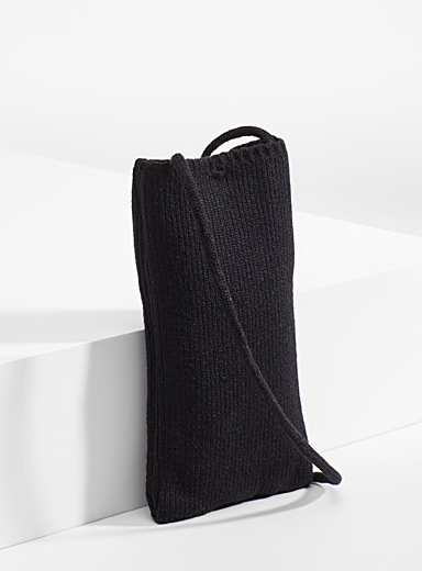 Phone knit pouch
