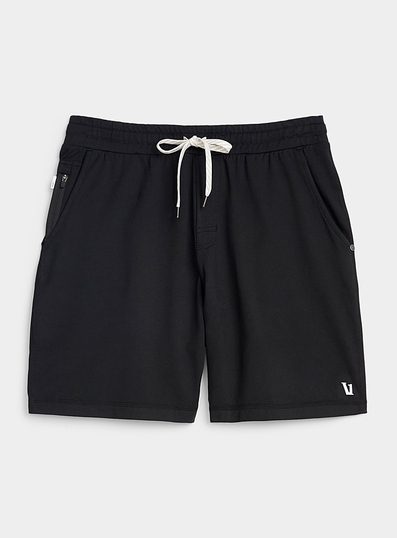 Vuori Black Ponto short for men