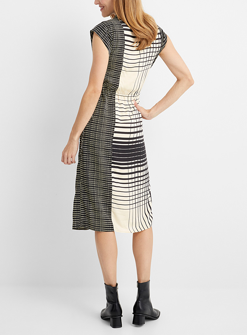 Sisley Patterned Black Contrasting pattern tie-neck dress for women