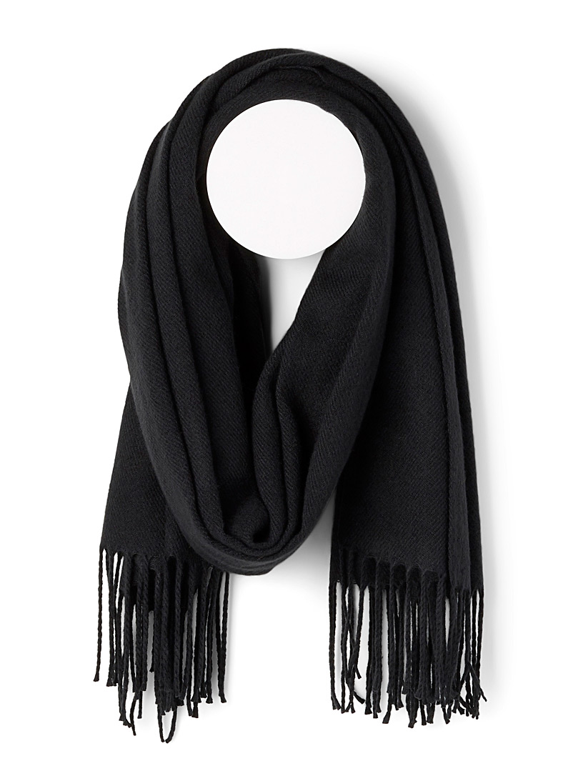 Fringed solid scarf