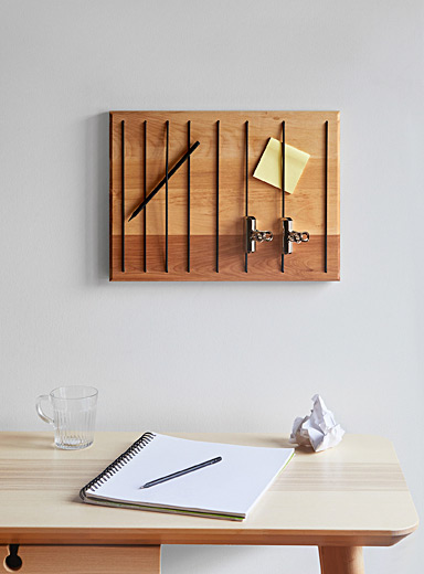 Small Bungee wall organizer