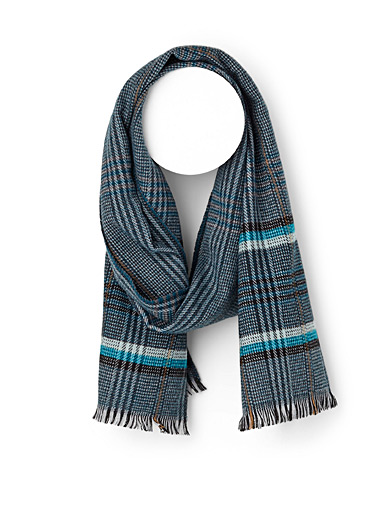 Accent check scarf