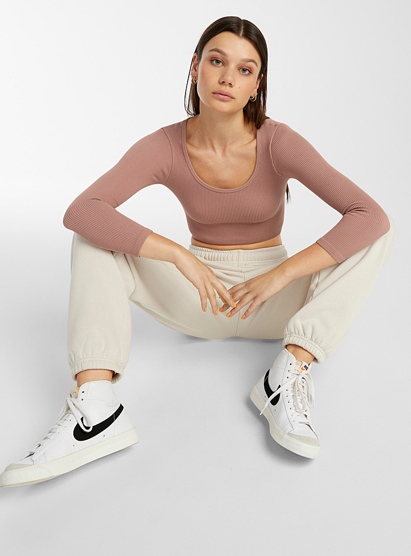 Twik Pink Round-neck ribbed crop tee for women