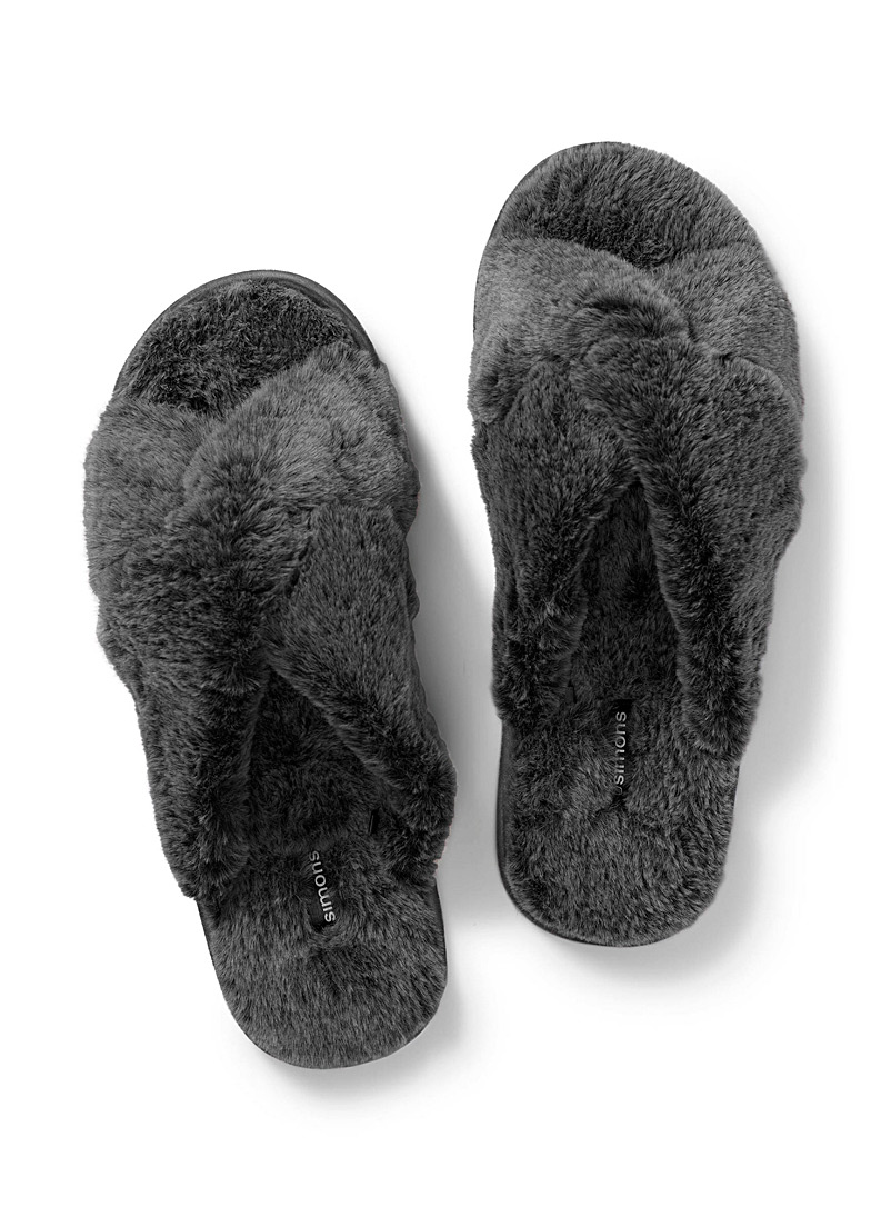 Plush crisscross slide slippers