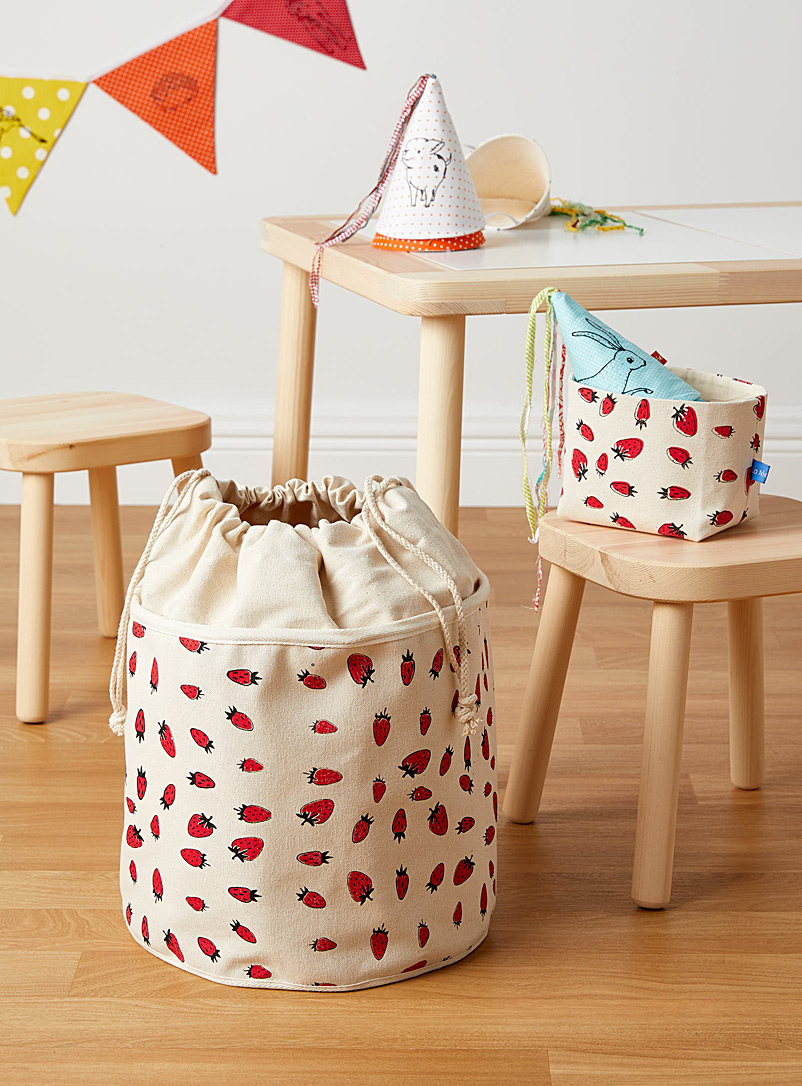 La fée raille Assorted Strawberry basket Available in 2 sizes