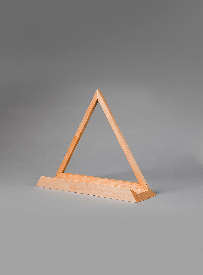 Le Needle Baltic Birch Triangle birch wood vinyl sleeve stand