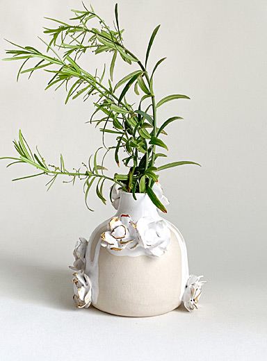 Belle gold flower ceramic mini vase  11,5 cm high