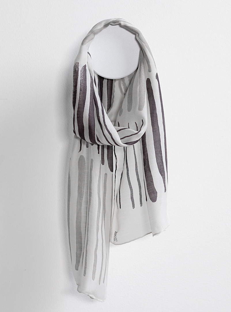 Tania Love Patterned Grey Striped Cozy scarf