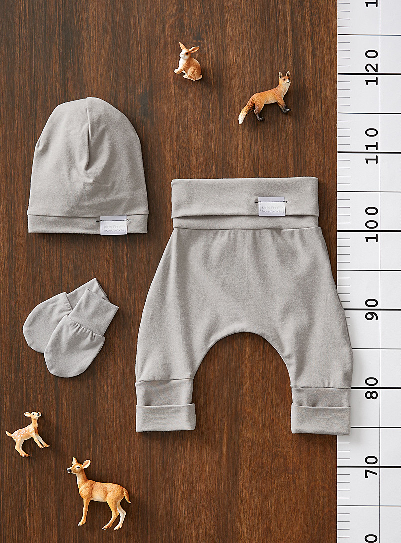 Newborn grow-with-me pant set