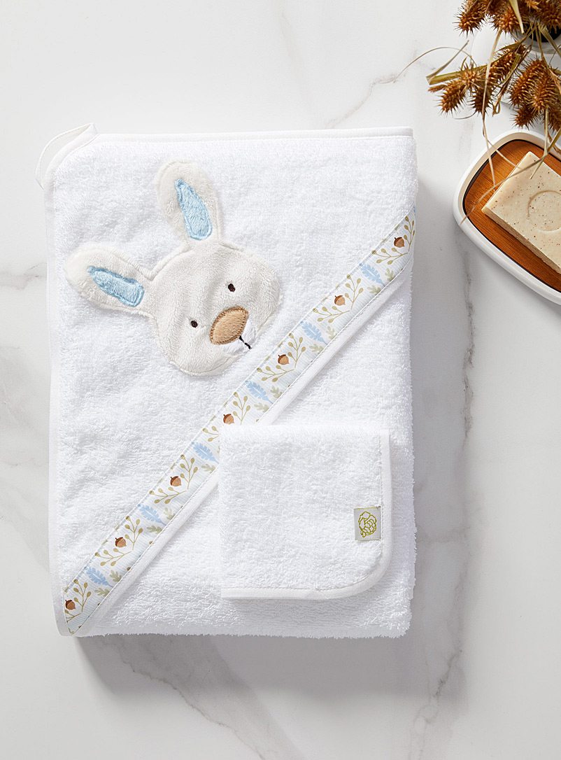 Sous une feuille de chou Blanc Cuddly animal towel and facecloth set
