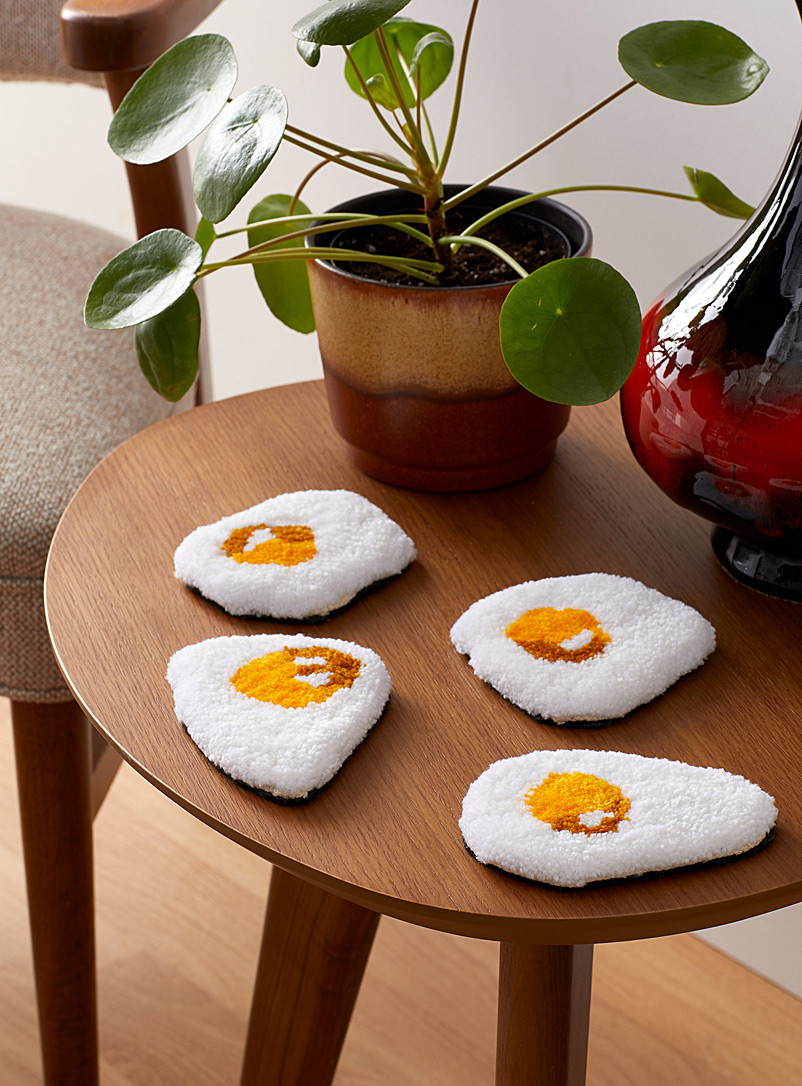 Little Brummie White Sunny-side up egg tufted coasters Set of 4