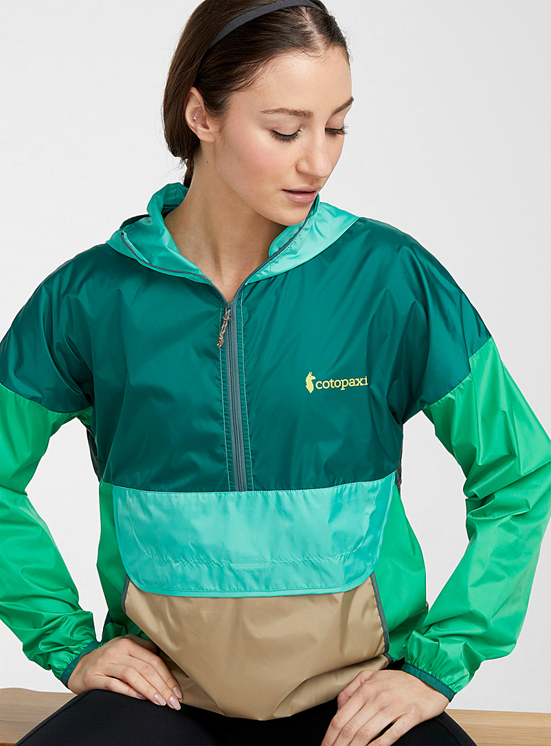 Cotopaxi Mossy Green Northern colours eco-friendly windproof anorak for women