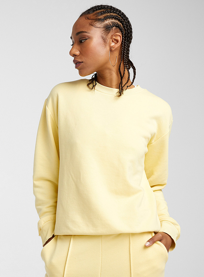 Lemon yellow crew neck sweatshirt