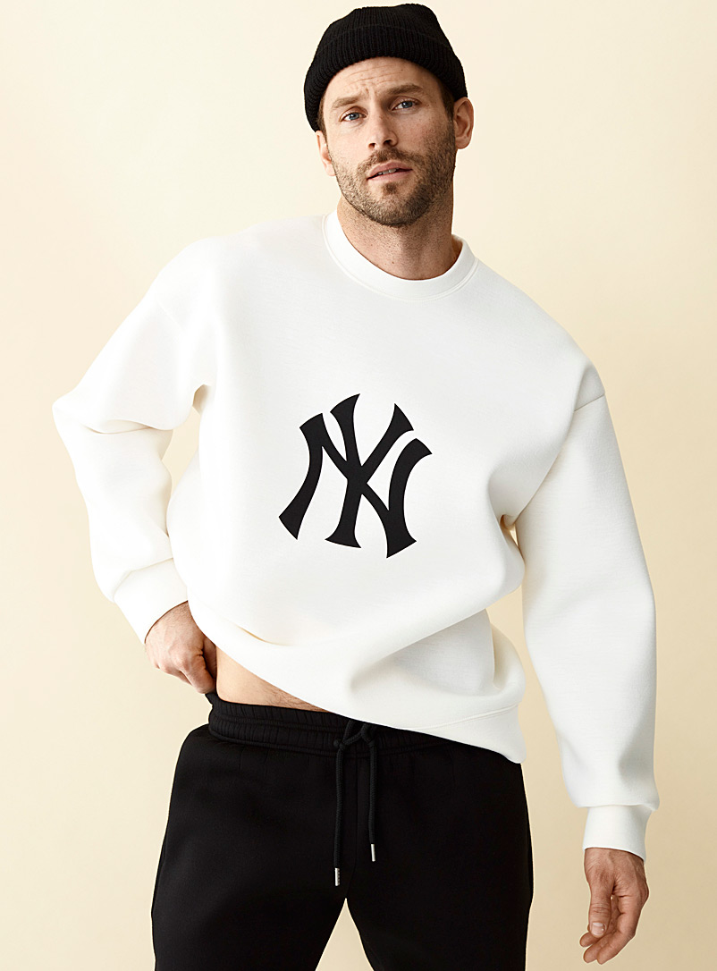 Le 31 Ivory White New York Yankees sweatshirt for men