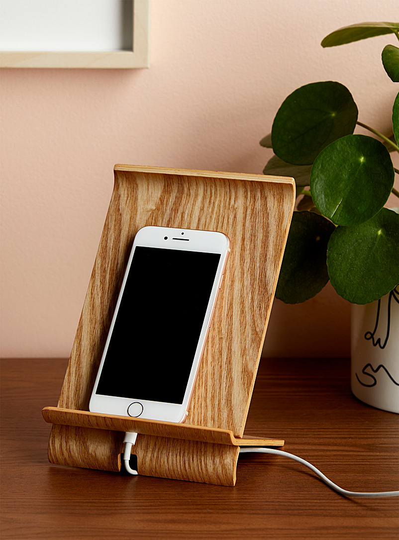 Willow wood smart phone holder
