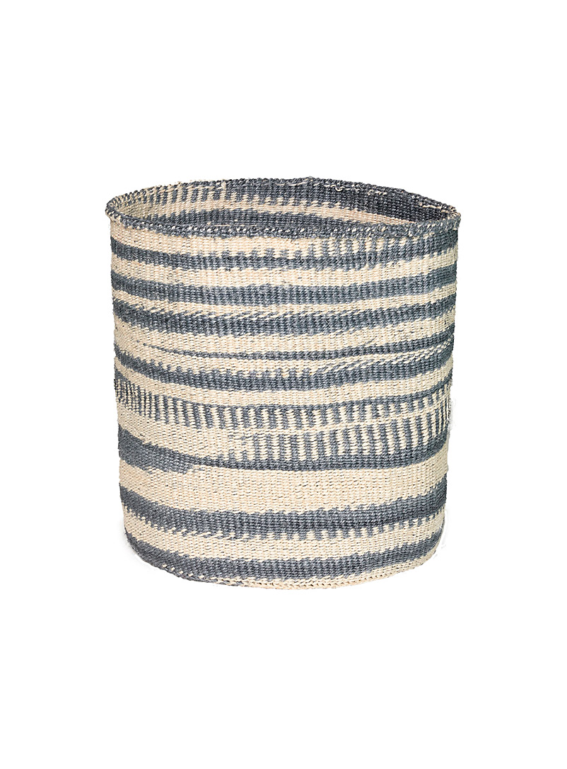 Obakki Assorted Woven sisal basket for women