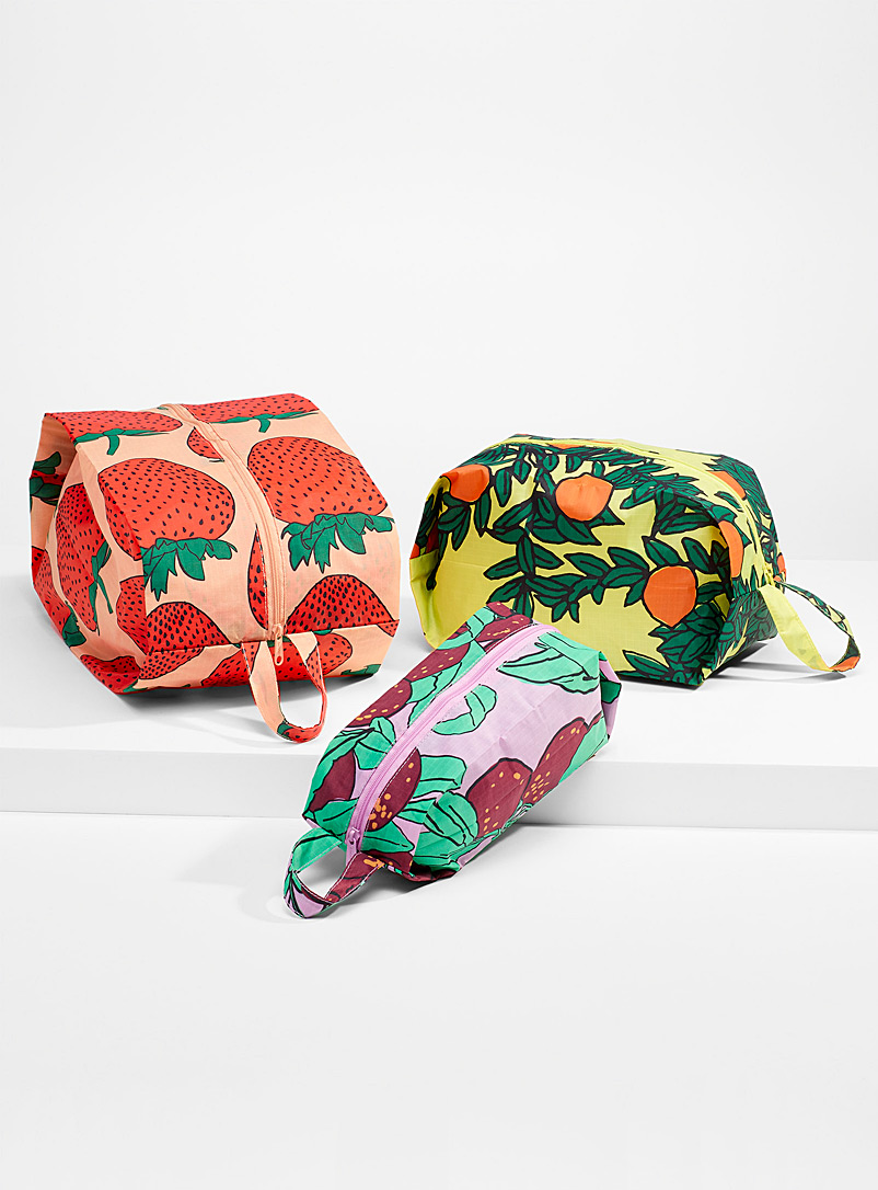 Baggu Patterned Red Printed 3D cases Set of 3 for women