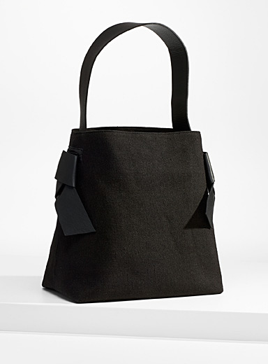Minimalist knotted linen bag
