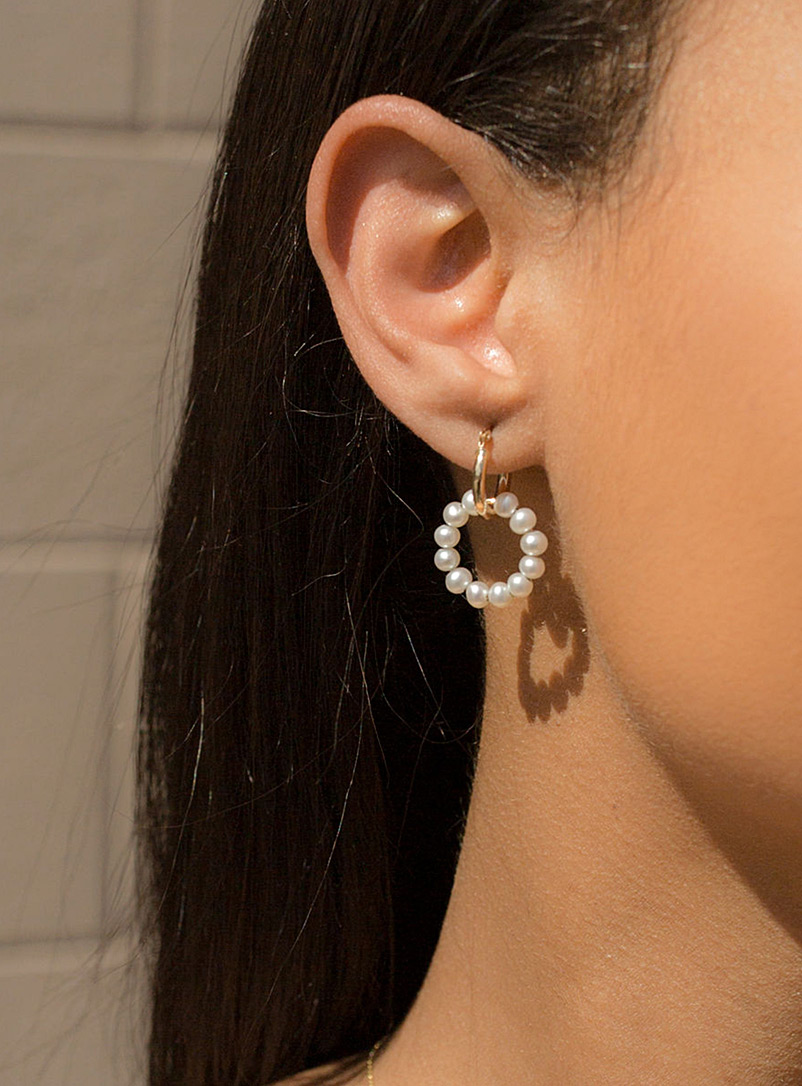 Poppy Finch Assorted Pearly gold hoops for women
