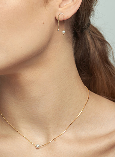Small pearl contrasting chain necklace