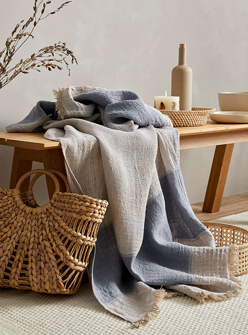 Le fil rouge Textiles Assorted Pure linen throw