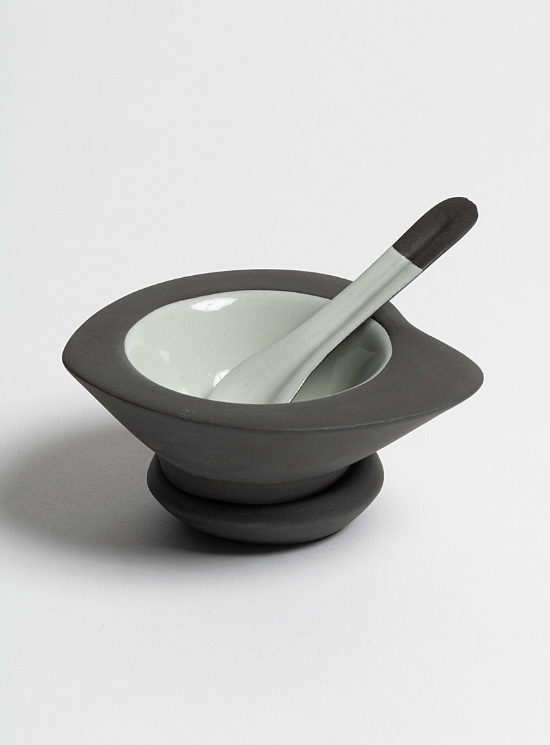Guy Simoneau Assorted grey Colourful-base black condiments bowl 2-piece set
