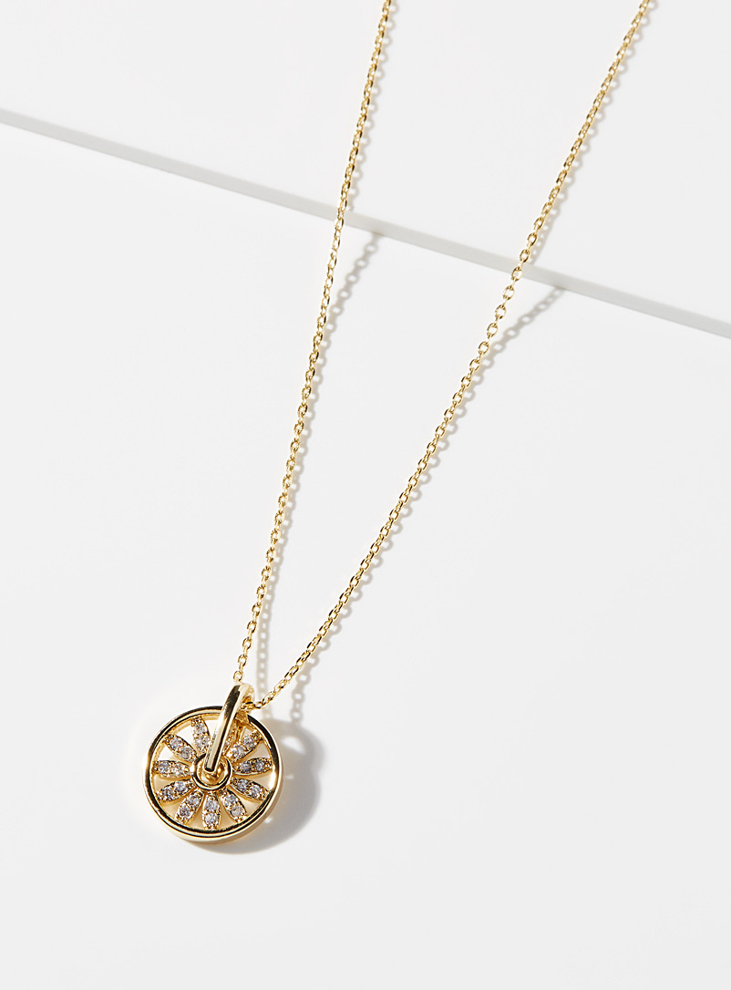 Simons Assorted Floral wheel necklace for women