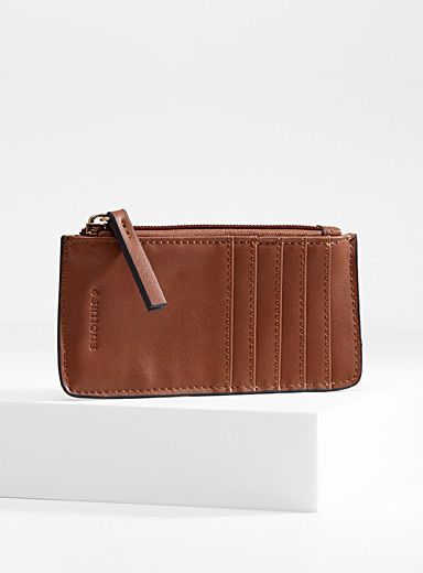 Traveller card holder