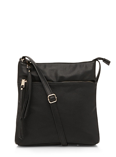 Accent tassel shoulder bag