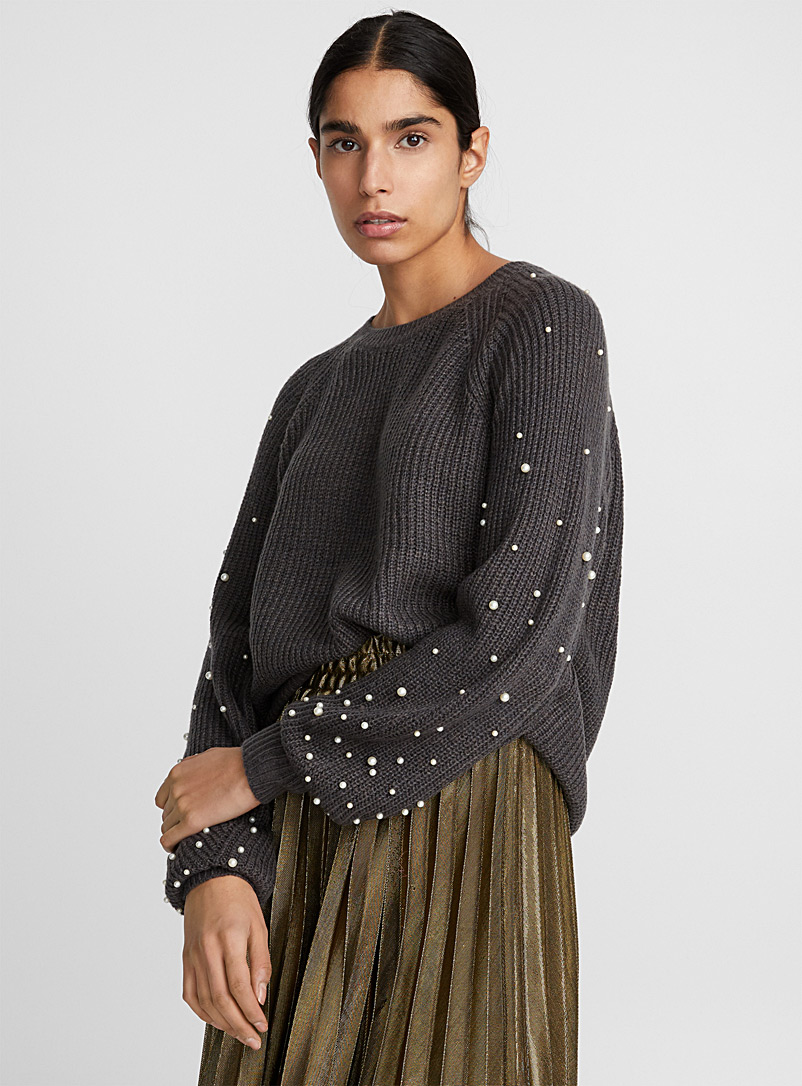 pearly-sleeve-ribbed-sweater