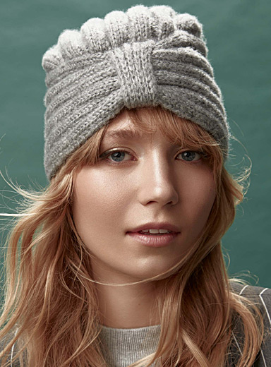 Stylish knit tuque
