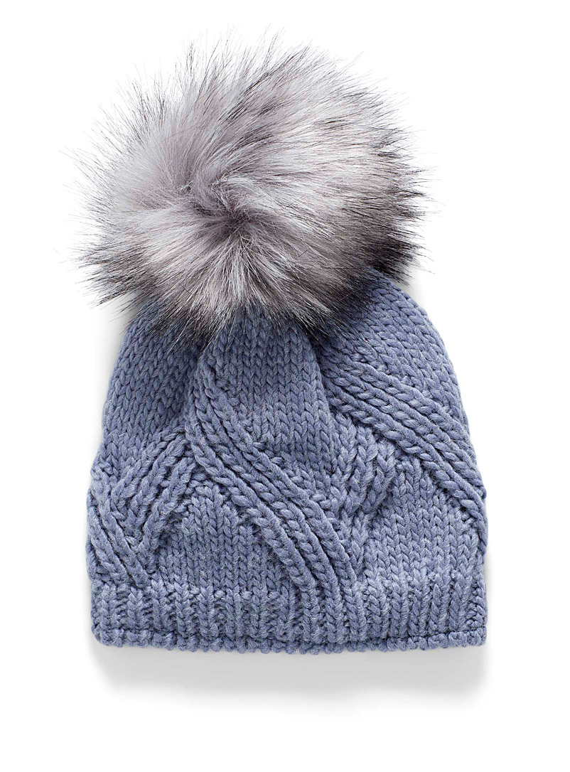 Oversized pompom tuque