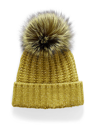 Pompom cable-knit tuque
